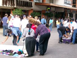 Packing Up Street Goods, The Police Is Arriving, San Jose - Costa Rica