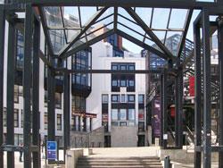 La Médiathèque (The Library)