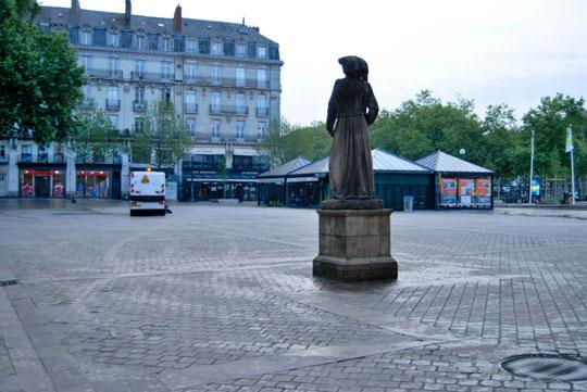 Place du Commerce at Sunrise