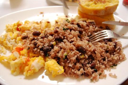 Breakfast in San José