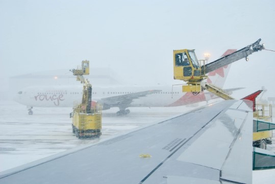 Deicing in Toronto