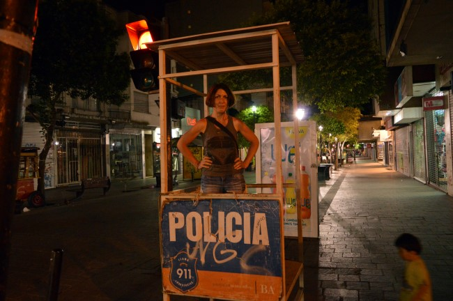 Policia!