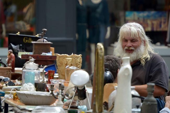 The second-hand goods dealer