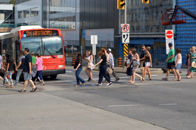 Crossing on Rideau Street