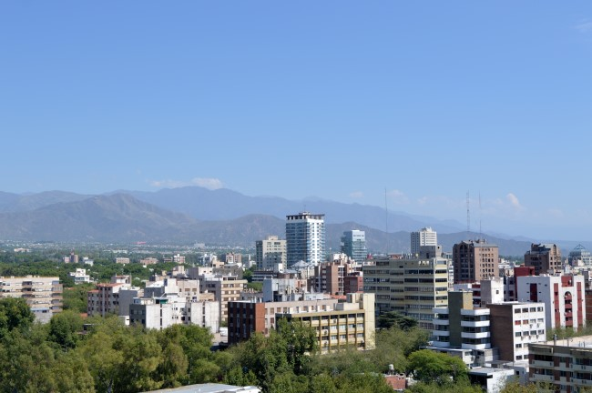 Terraza Jardín Mirador with the Andes in the background