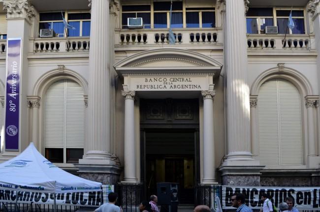 Banco de la Nación Argentina in the Microcentro (workers on strike)