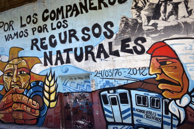 Political mural on calle 25 de Mayo