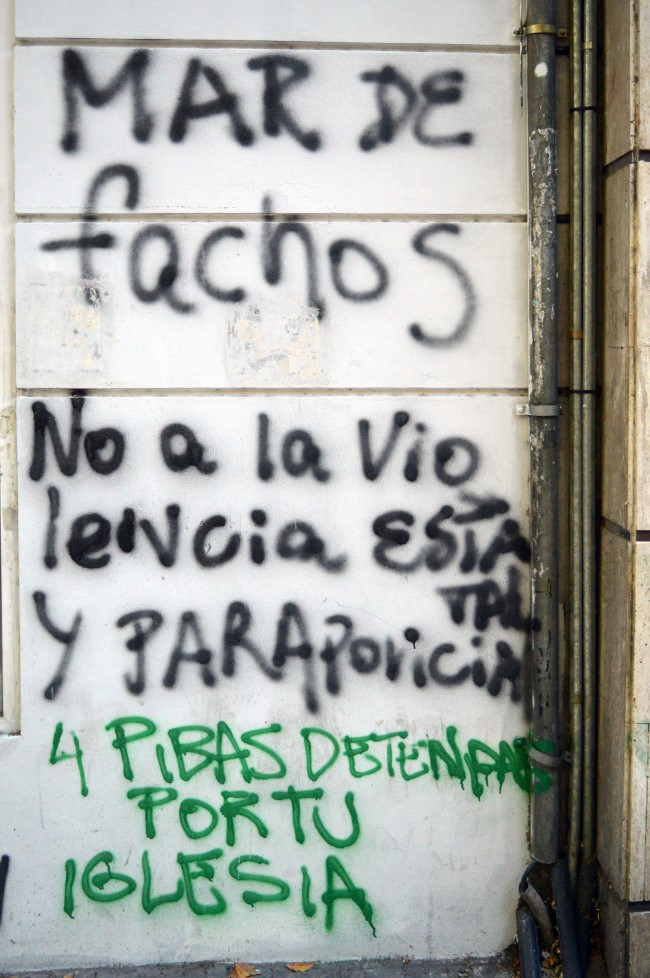 More political graffiti on calle 25 de Mayo