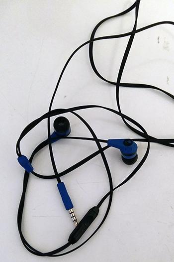 Got earphones, will listen to podcasts