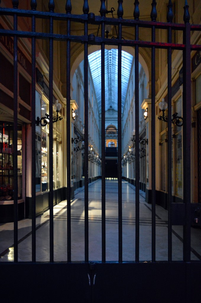 Passage Pommeraye is closed