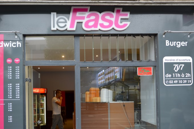"""Le Fast""... for a fastfood joint"