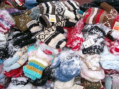 Snowy Gloves