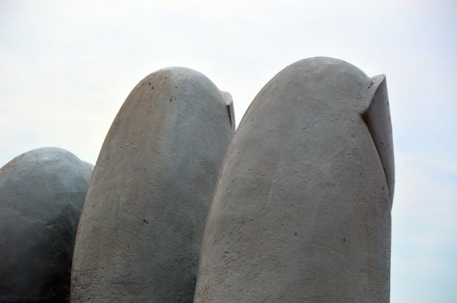 Mano de Punta del Este by Mario Irarrázabal
