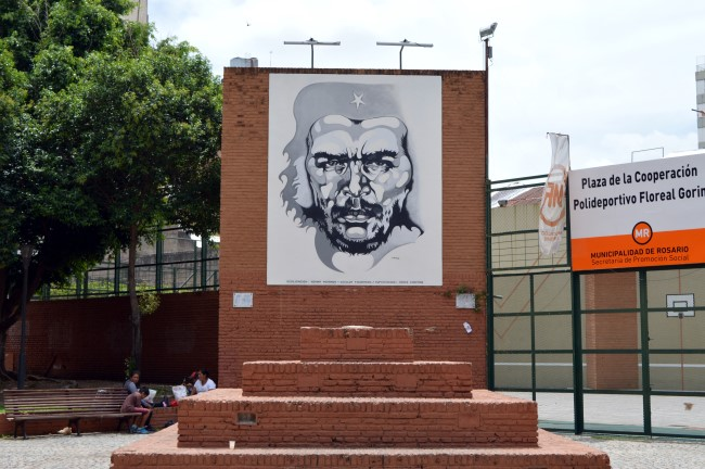 One Che Mural Downtown!