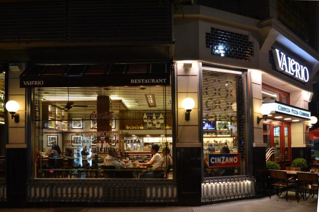 Café and restaurant on Florida Street