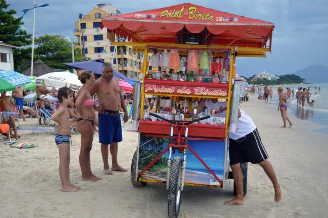Vendors on Praia de Canasvieiras