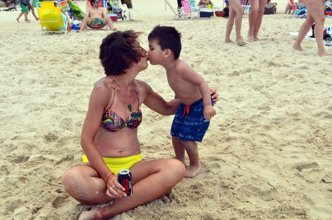 Praia do Campeche (not, the kiss wasn't staged!)