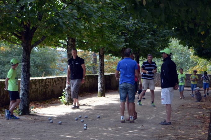 Playing pétanque at the Domaine de la Garenne Lemot