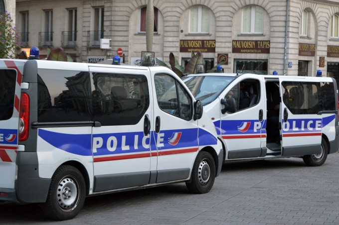 Police vans Place Graslin