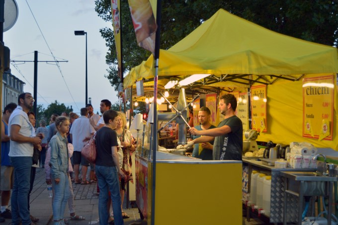 Food stalls along the Erdre