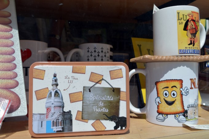Souvenirs of Nantes with a LU cookie theme