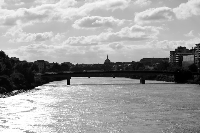 Bridges across the Loire River