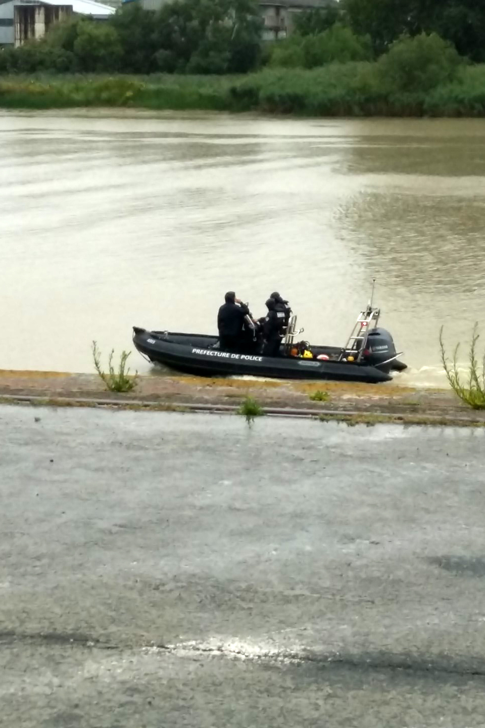 Police looking for the body on July 29