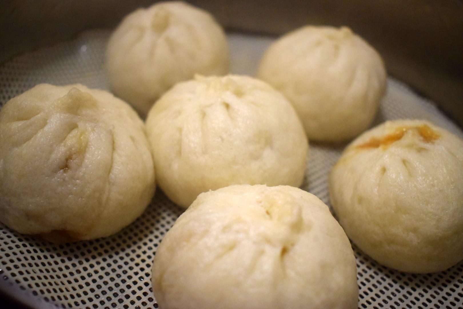 Xiao long bao (小笼包)Yummy Yummy Dumplings, 79 Huron St, Toronto