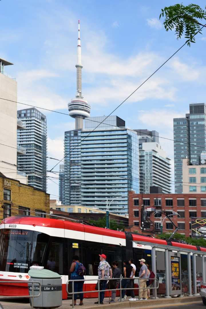 Spadina, Toronto