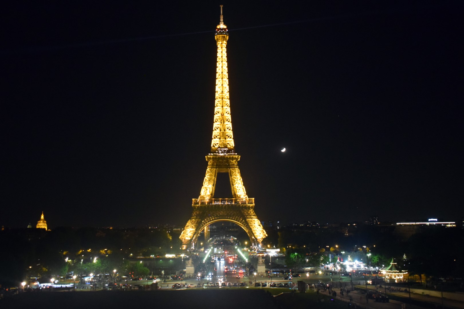 Eiffel Tower from Trocadéro (and the lunar eclipse!)