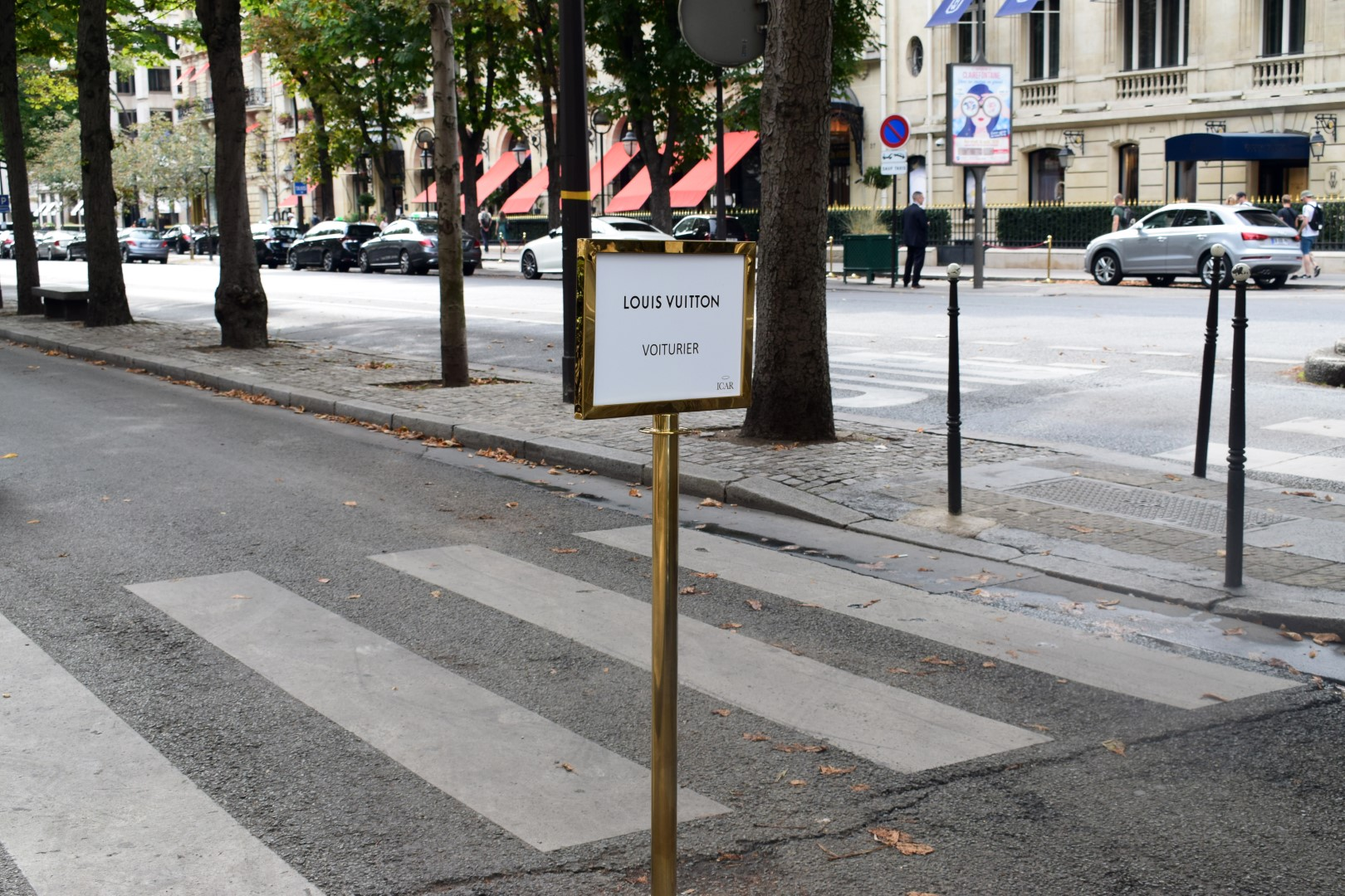 Avenue Montaigne, Paris