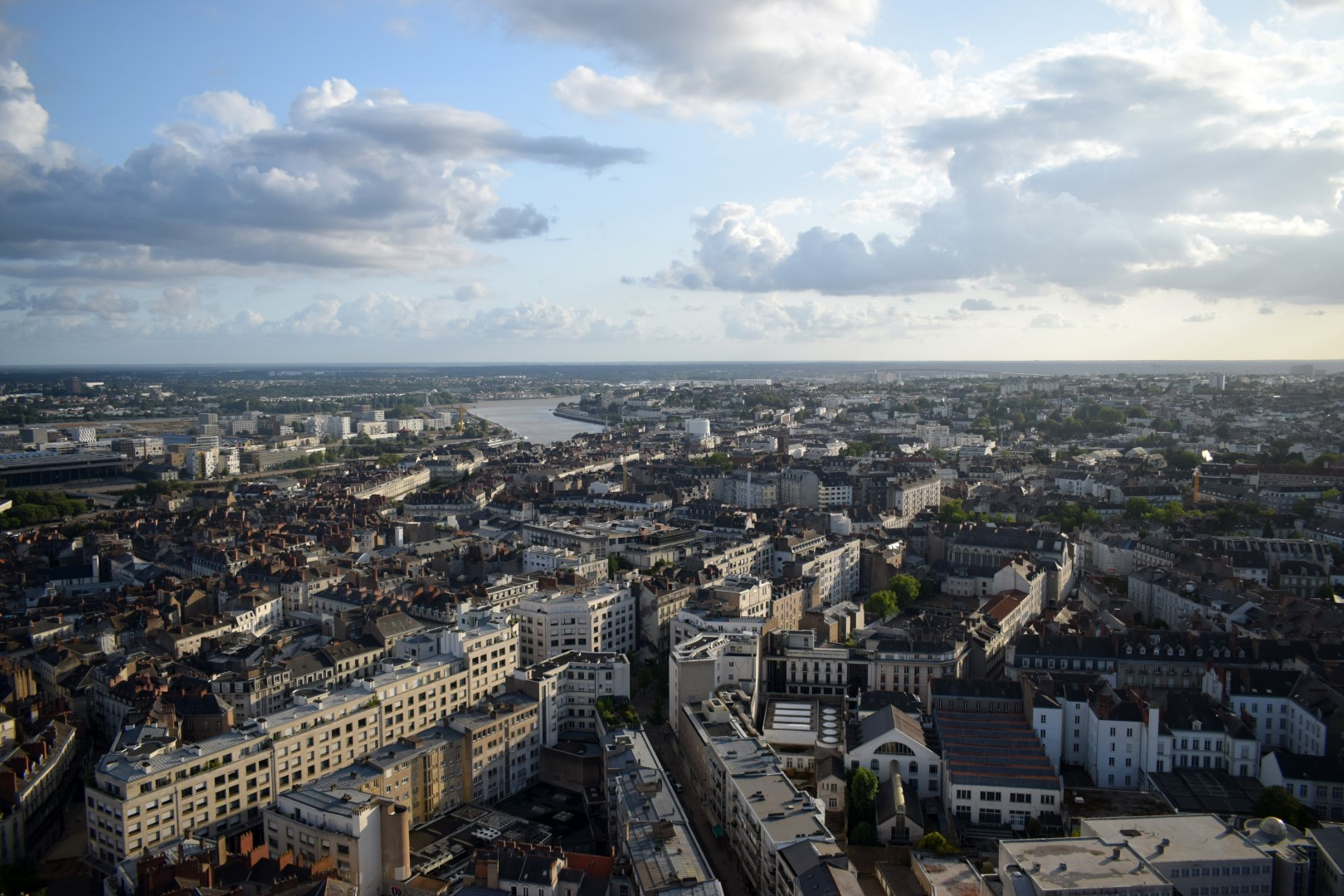 """Le Nid"", 32nd floor of the Tour de Bretagne"", 360° views of the Greater Nantes area"