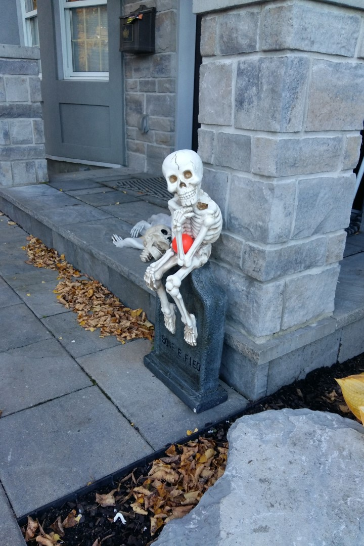 Halloween decorations, Island Park Drive, Ottawa