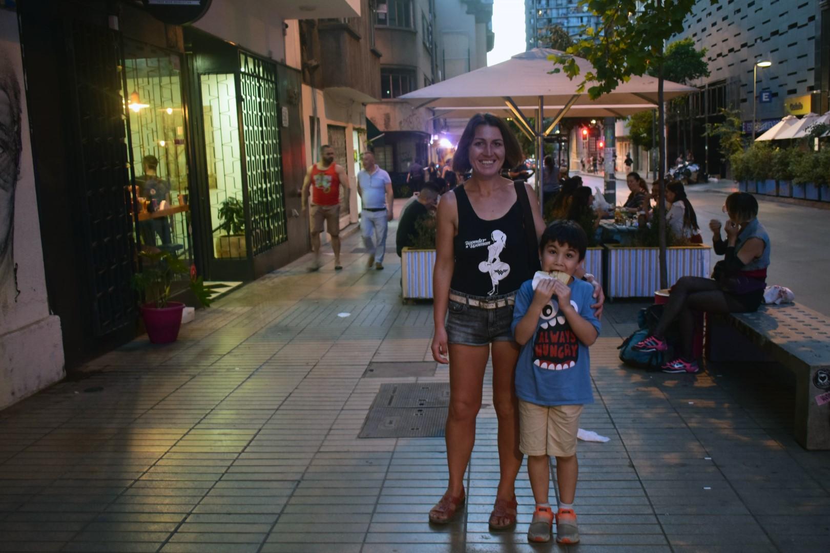 Late-night pizza, Calle Monjitas, Santiago