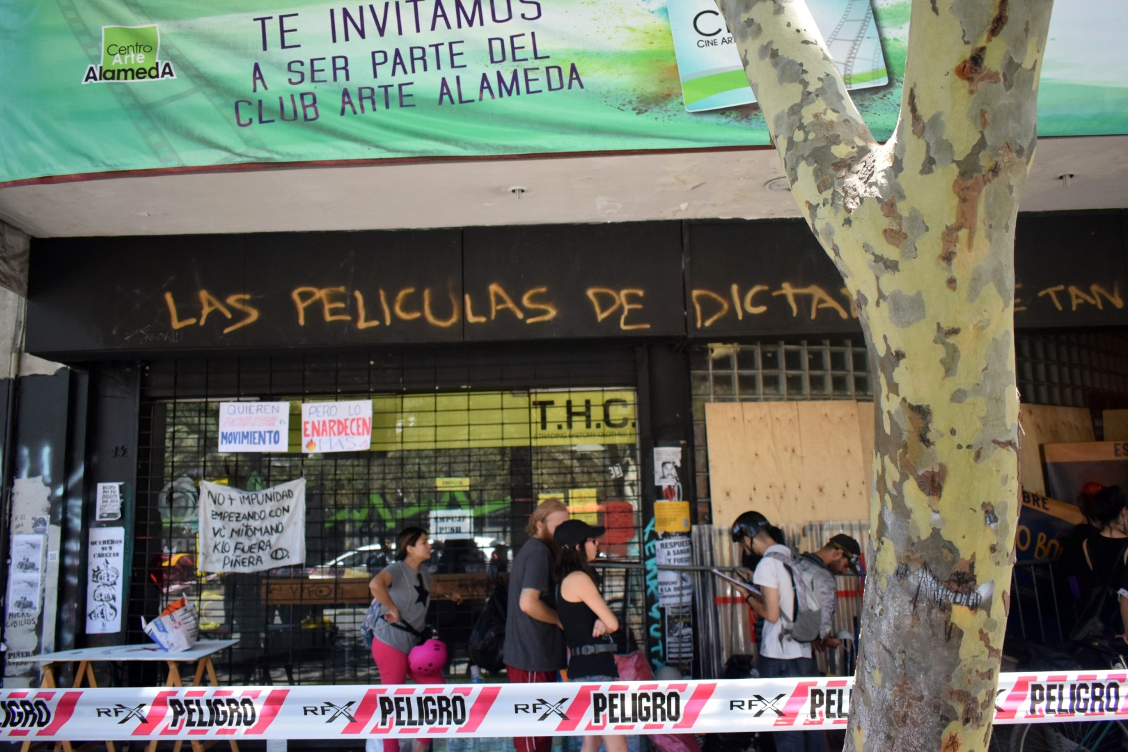 The theater that burned, La Alameda after Friday's protests, Santiago