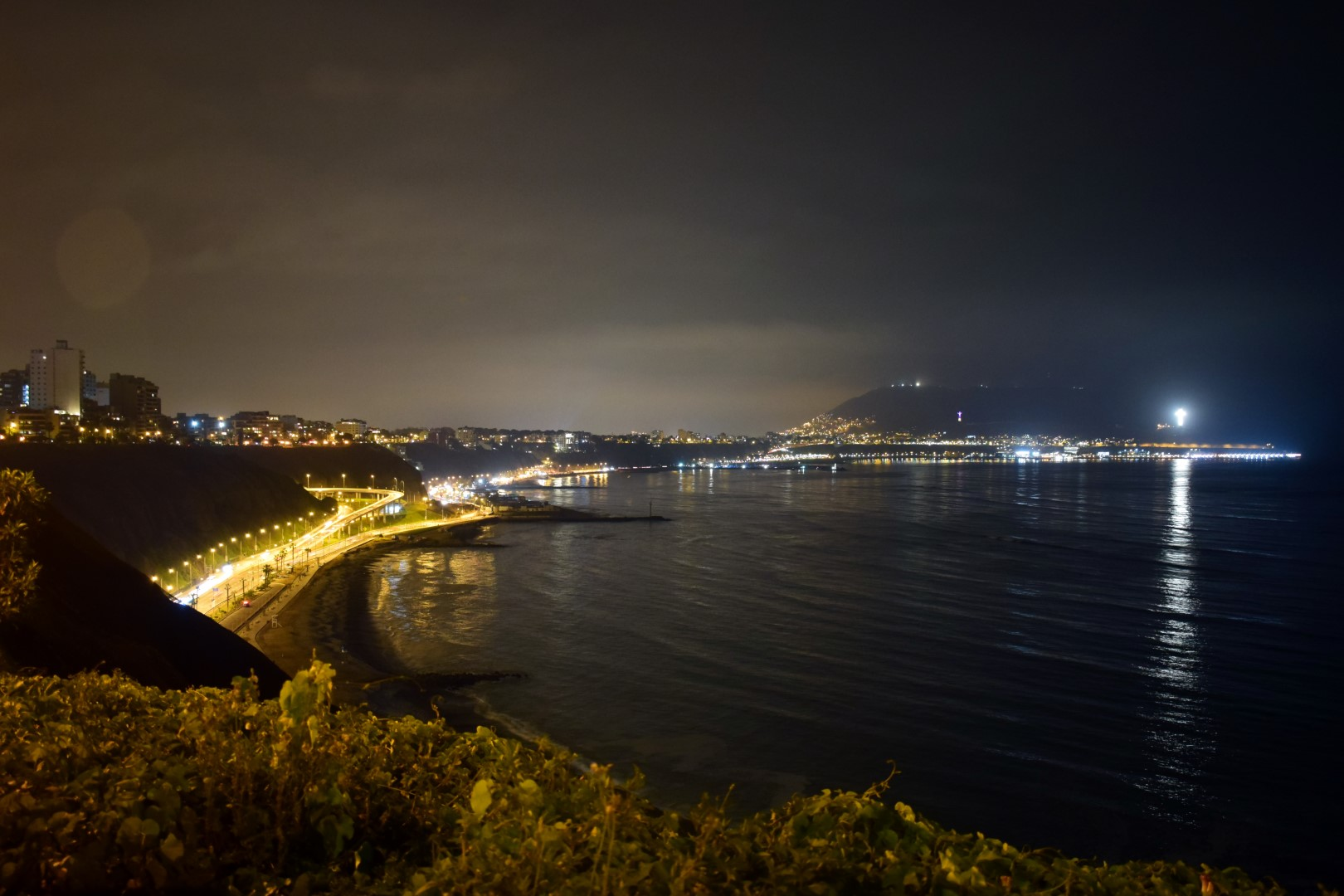 Miraflores waterfront from the cliff