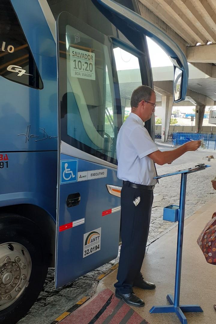 Boarding the 10:20 a.m. bus to Salvador at the Rodoviária de Aracaju