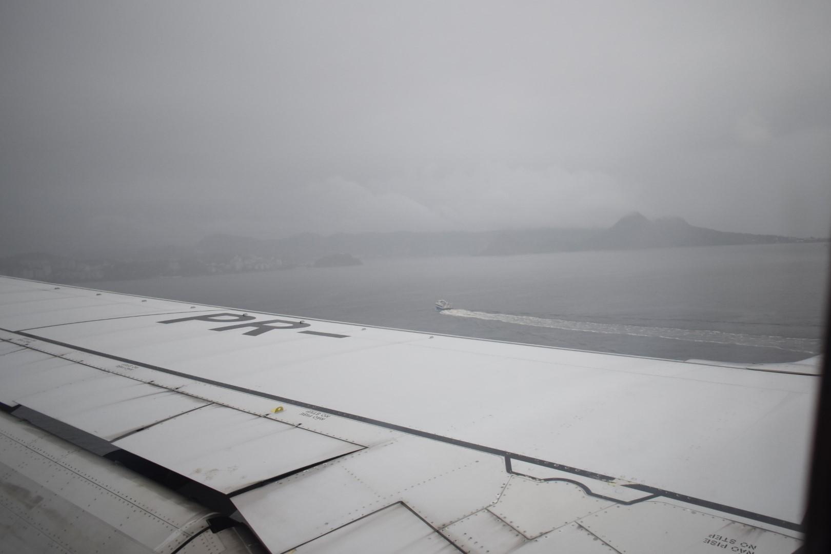 São Paulo to Rio de Janeiro, landing in Santos Dumont