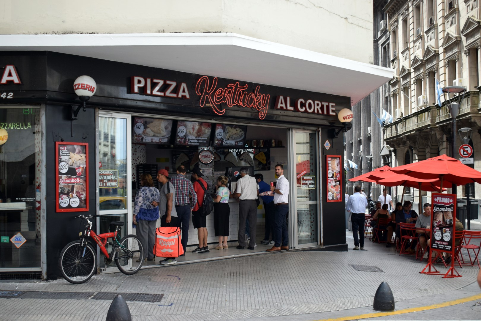 Ubiquitous pizza joint Kentucky, Microcentro, Buenos Aires