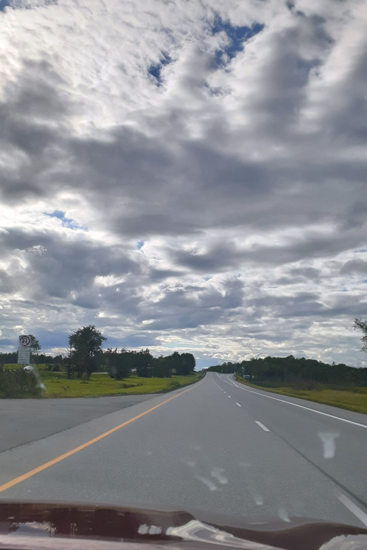 On the road from Montreal to Ottawa