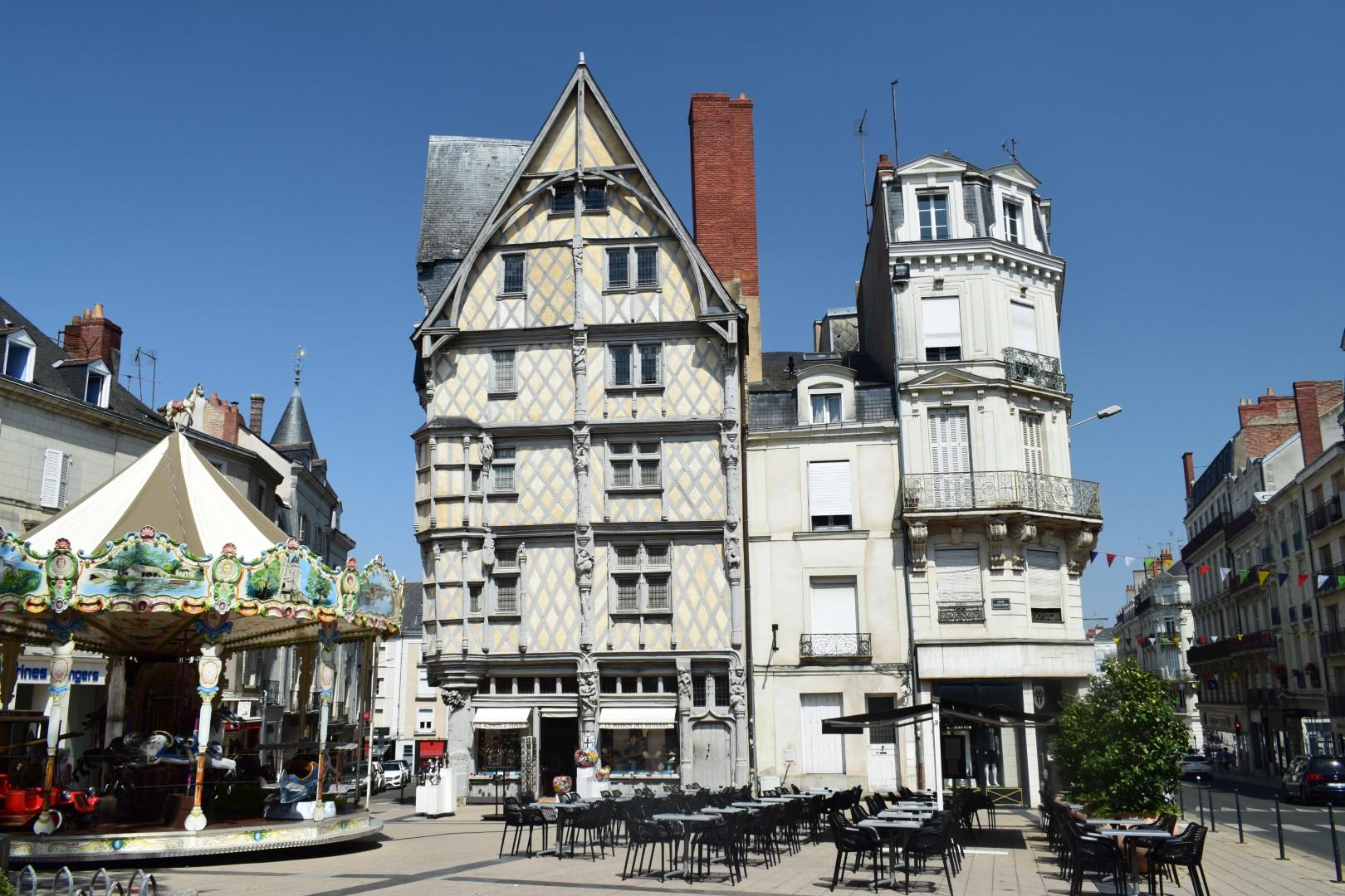Place Sainte-Croix, Angers