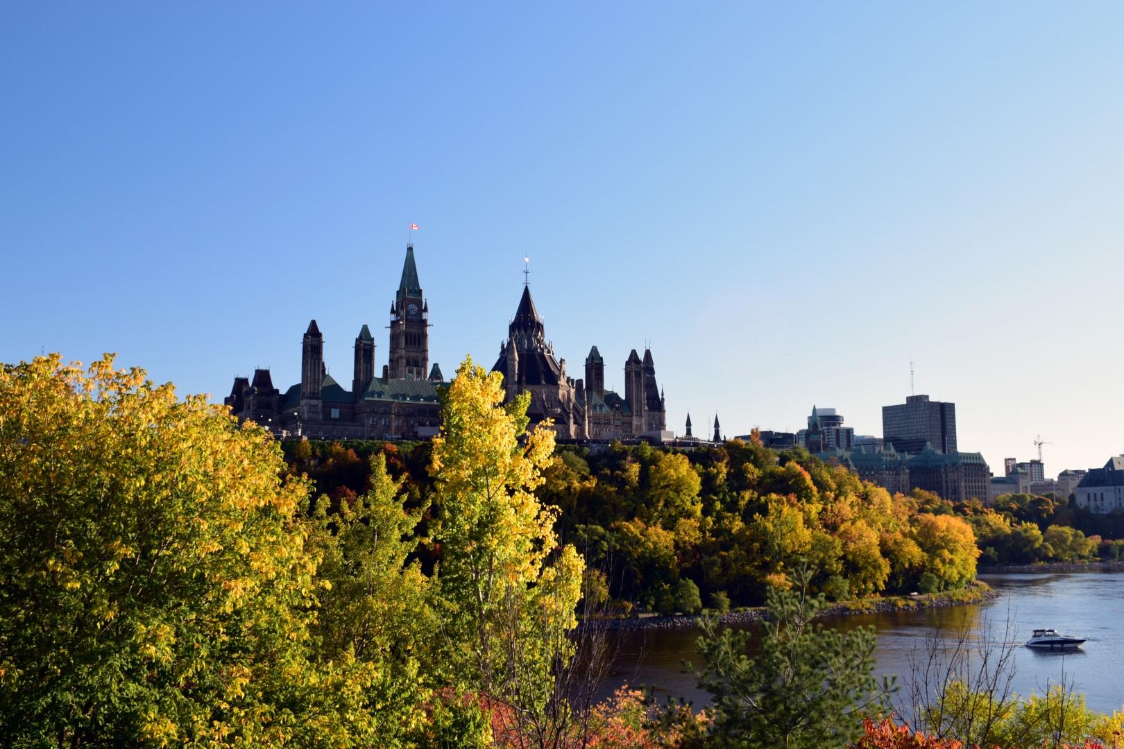 Alexandra Bridge from Quebec to Ontario